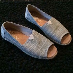 TOMS neutral open toed linen espadrilles sz 7.5